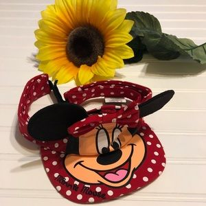 DISNEY Minnie Mouse Kids Red With White Dots Visor